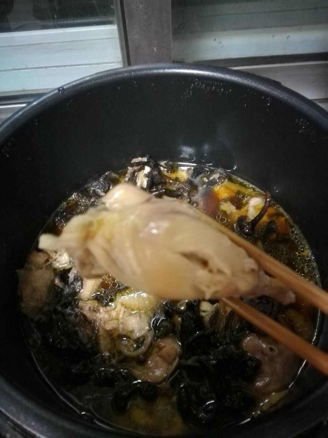 Chicken_with_mushroom__cooked__drumstick.jpg
